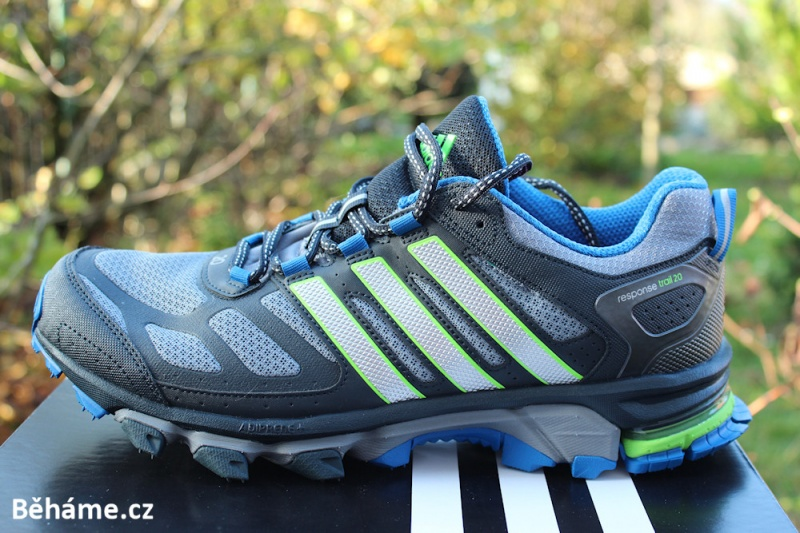 cinta Será Cantidad de  0e67da3cea trailové boty adidas response trail ...