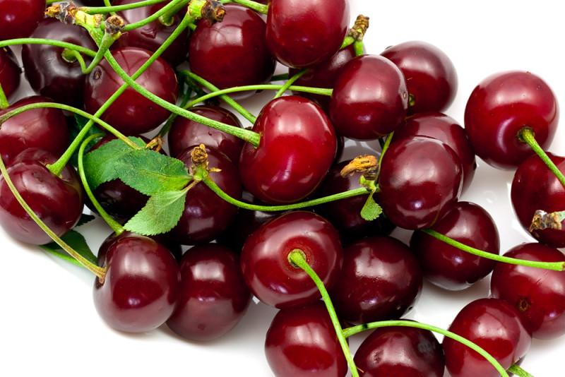 Odlehčete svůj jídelníček a zařaďte sezónní ovoce