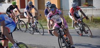 Pelotón výkonnostných i masových cyklistov súperil v priebehu roka na cestách malokarpatského regiónu.
