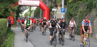 Závod Panoramatour - kolaři směrem do České republiky