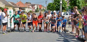 9. V sprievodných pretekoch bežalo i staršie žiactvo.