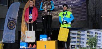 Na najvyššom stupni Renáta Šikulová. Pezinská vytrvalkyňa triumfovala vo všetkých častiach Trnavskej bežeckej trilógie.