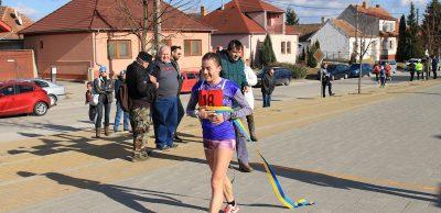 Lucia Janečková z Nových Zámkov, obliekajúca dres BMSC, si na polovičnej trati tridsiatich žien zapísala s dostatočným náskokom ďalší bežecký triumf.