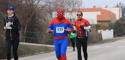 Kozmickú desiatku vuliciach Majcichova bežal aj Spiderman